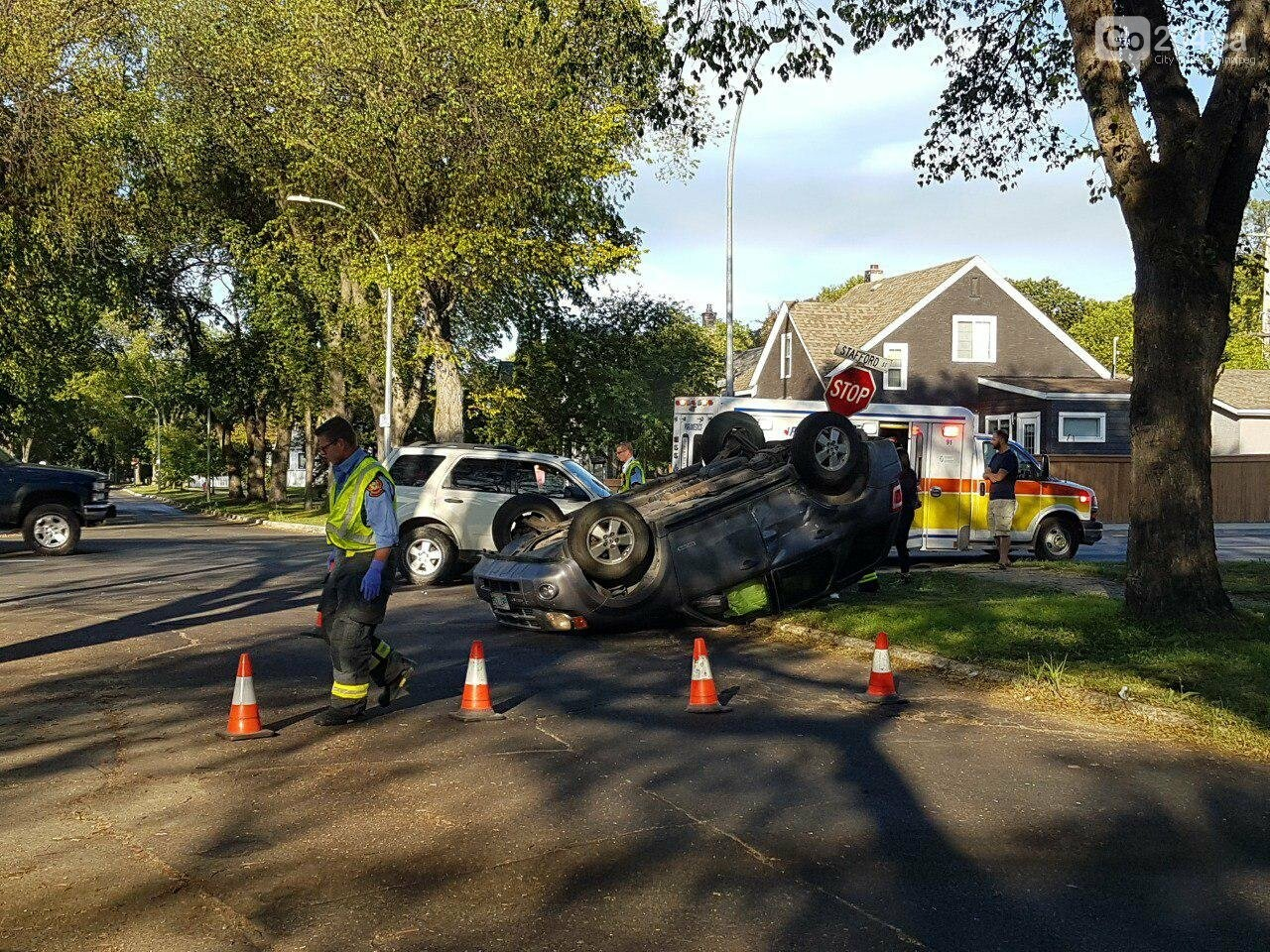 Vehicle overturned in accident, photo-1