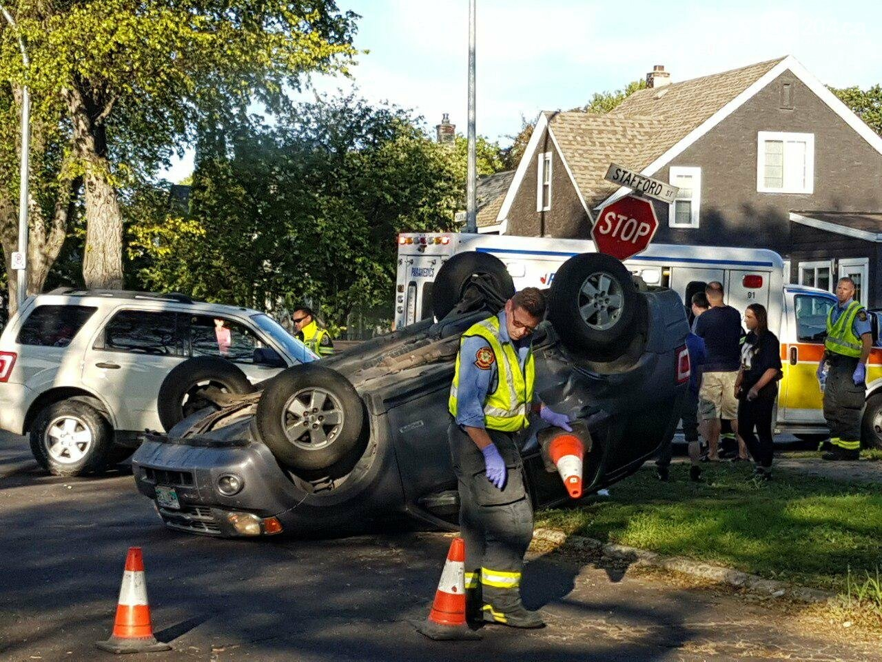 Vehicle overturned in accident, photo-2